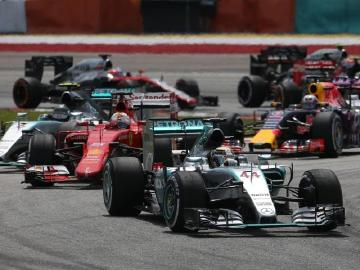 戰勝馬來西亞詭譎天氣Mercedes-AMG PETRONAS持續領先